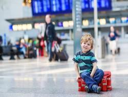 menores-desacompanhadas-viajando