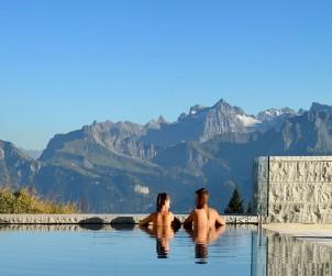 conheca-a-piscina-de-agua-termal-na-suica3