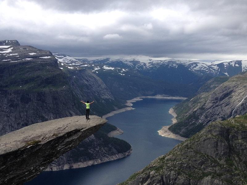 como-fazer-o-trekking-para-a-trolltunga-na-noruega12