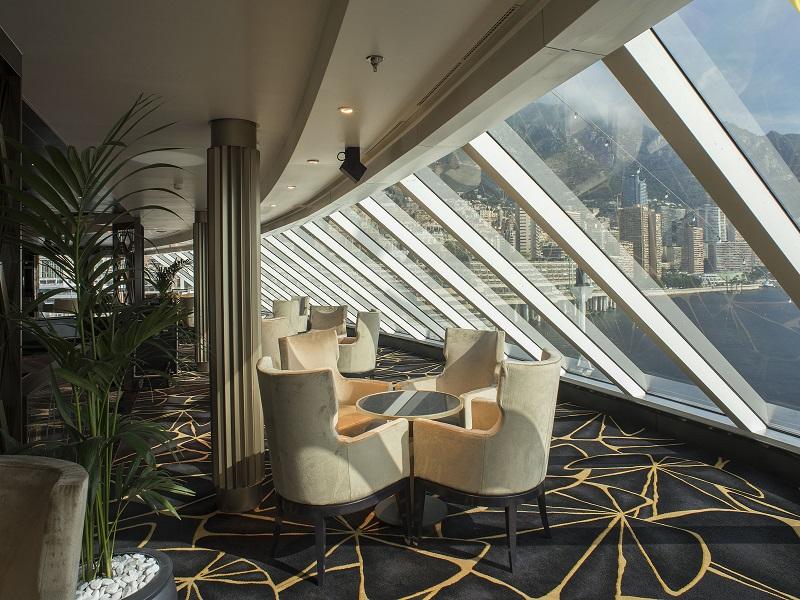 o-navio-mais-luxuoso-do-mundo-completa-um-ano-e-revisita-alguns-portos-da-sua-estreia3