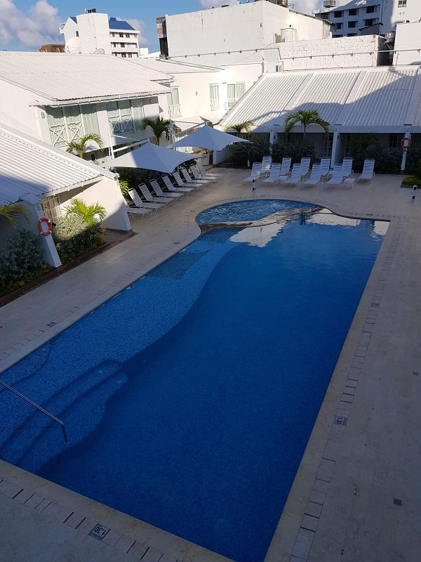 onde-ficar-em-san-andres-descubra-um-hotel-pe-na-praia11