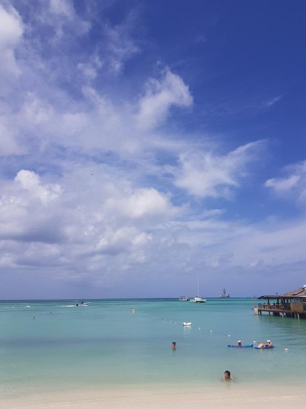 conheca-as-ilhas-do-caribe-que-estao-fora-das-rotas-dos-furacoes14