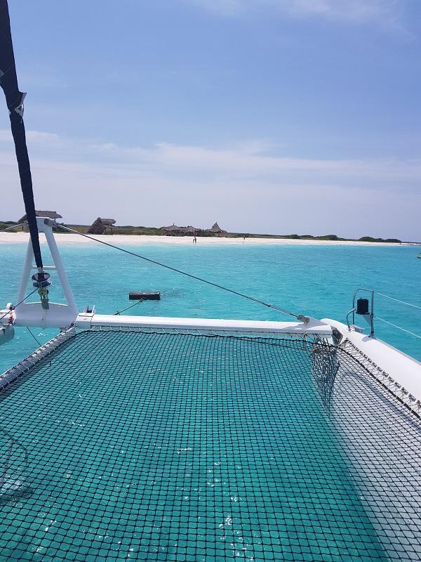 conheca-as-ilhas-do-caribe-que-estao-fora-das-rotas-dos-furacoes28