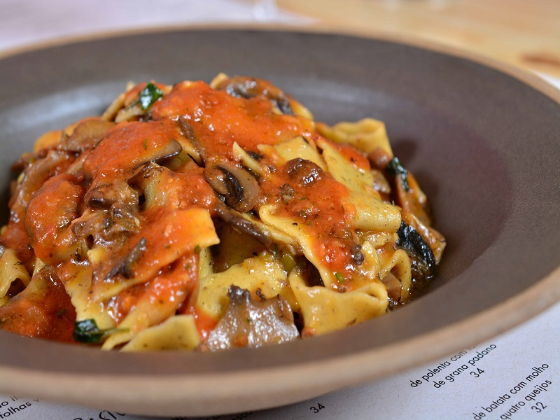 cantina-da-praca-culinaria-italiana-proximo-a-praia-de-ipanema5