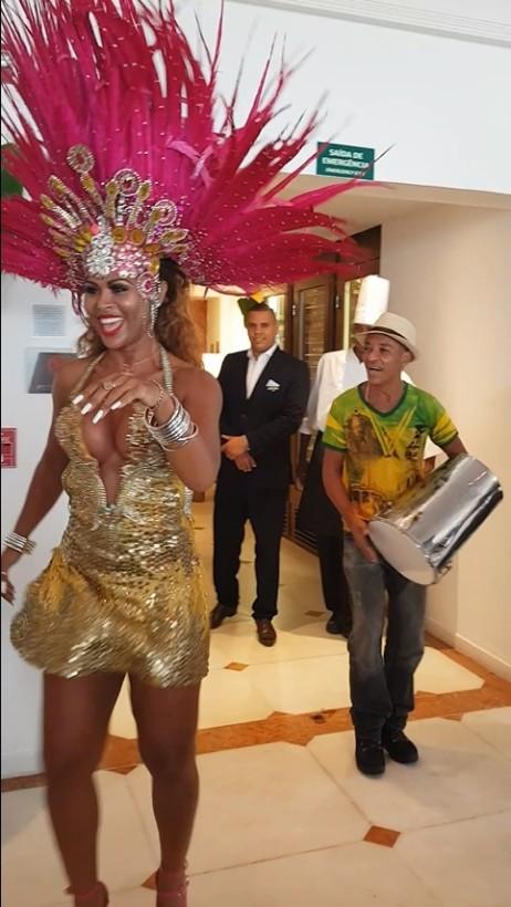 pre-carnaval-no-rio-feijoadas-agitam-os-melhores-hoteis-da-cidade4